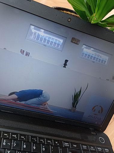 img-yoga-online-home2